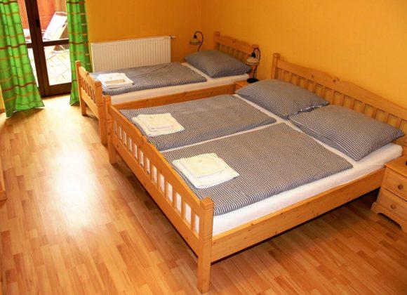 Třílůžkový pokoj (P2)